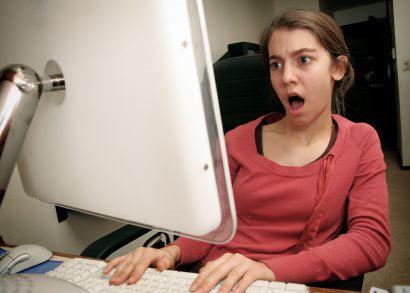 5 Hal Gila yang Bisa di Lakukan Wanita diFacebook